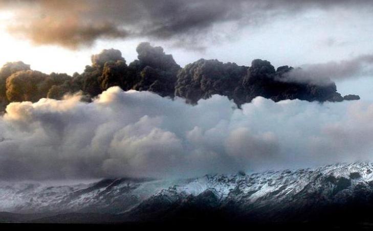 Panache de cendres volcaniques sur l'Europe du Nord
