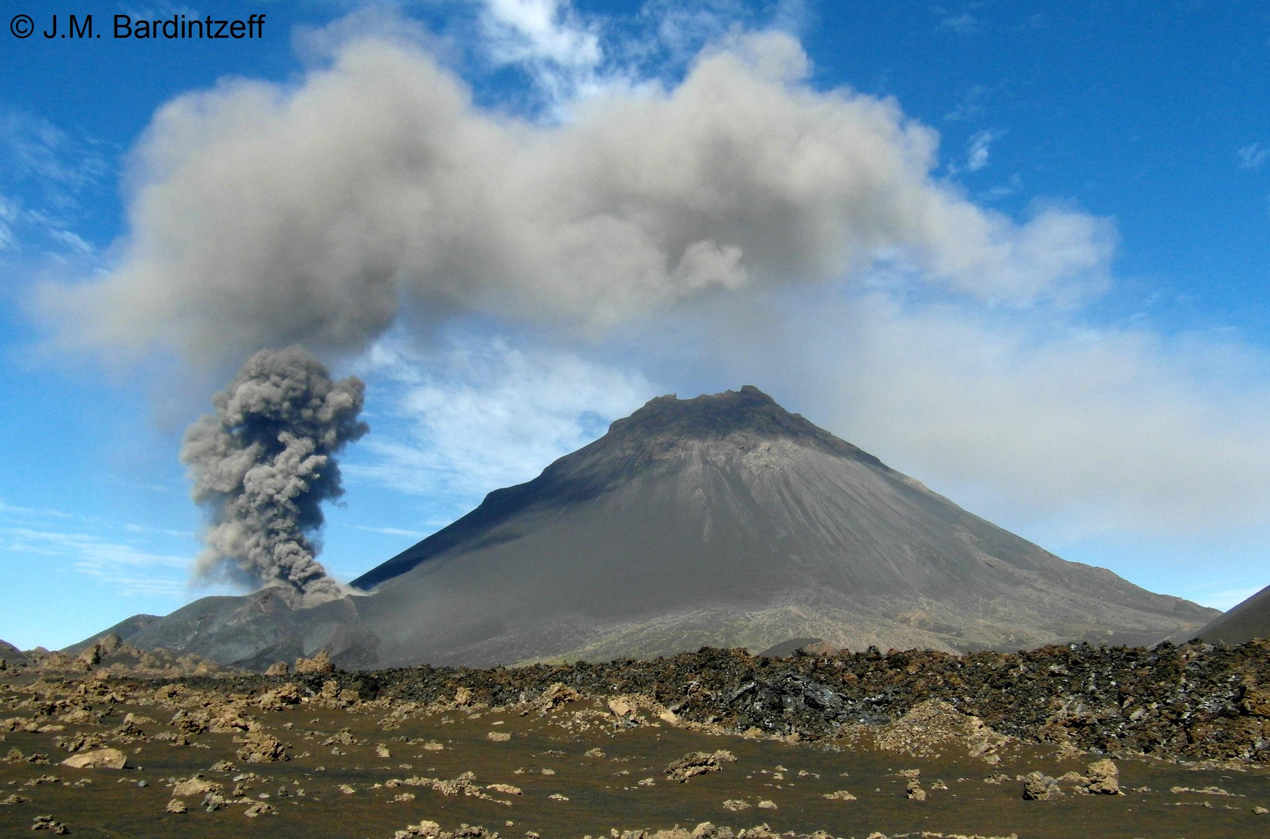 Expédition sur un volcan actif Le Fogo au Cap-Vert